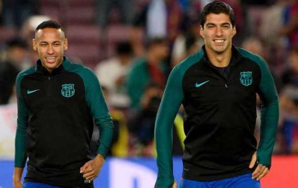 Neymar Sympathises With Suarez For Costly Penalty Miss
