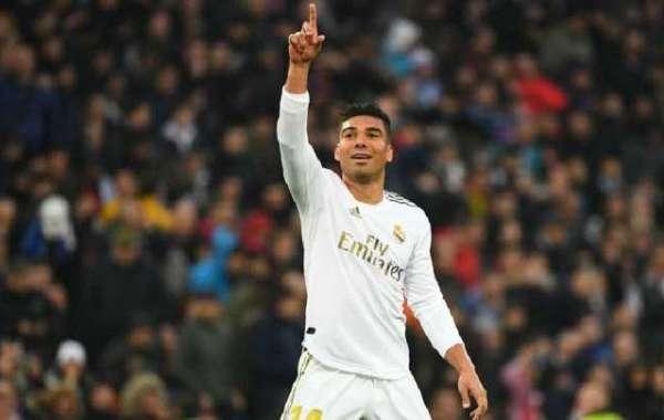 Zidane Praises Casemiro After Brace Against Sevilla